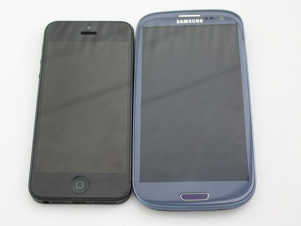 iPhone 5 and Samsung Galaxy S III Side by Side